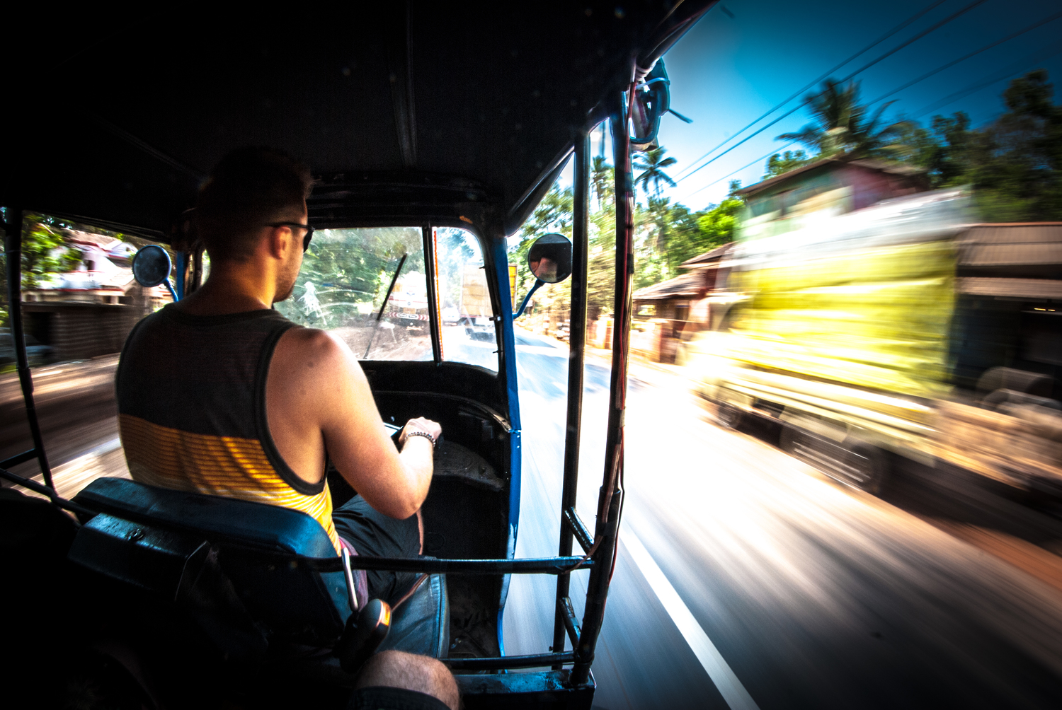 India+Rickshaw+run+04-2013+(4+van+24)