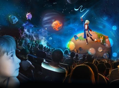 Public en salle de projection.  Accompagner l'image de la mention suivante :  « based on the original story The Little Prince by Antoine de Saint-Exupéry (ou la traduction s¿y rapportant).  Version EPS HD disponible sur demande (75 Mo).  Sources : LDD11NUM_009 / LPP11NUM_002 / LPP11CREA_014