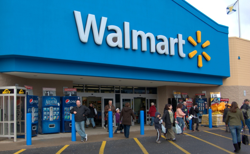 Walmart expands curbside grocery pickup