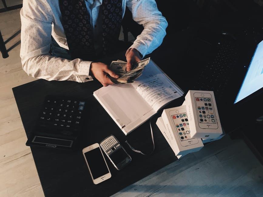 startup finance guy