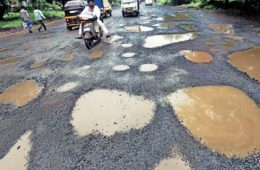 pothole issues nitin gadkari