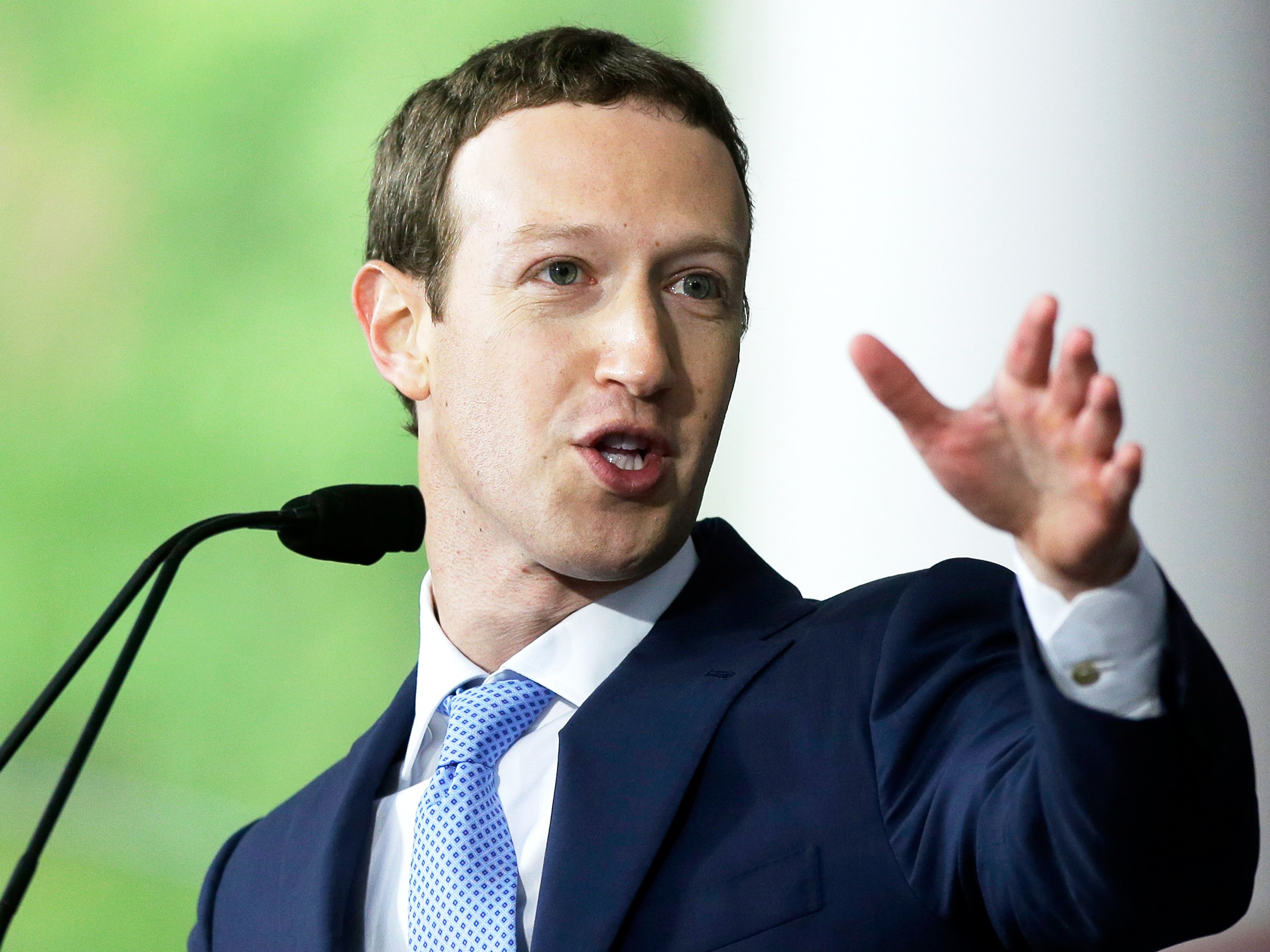 Zuckerberg wants to sell 35-75 million Facebook shares
