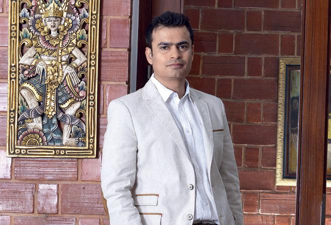 ashish kashyap resigns