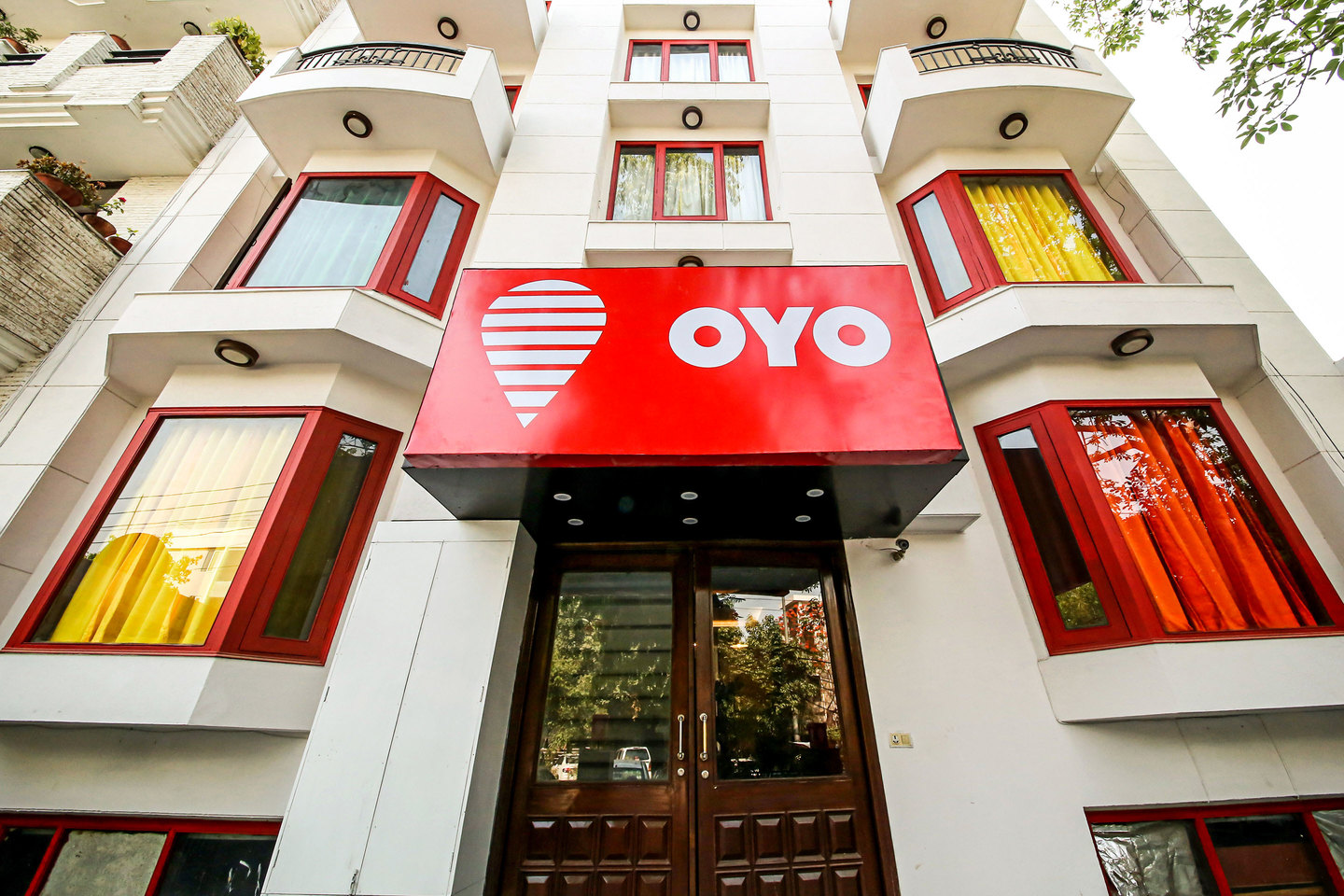 oyo rooms raise 10 million china lodging group