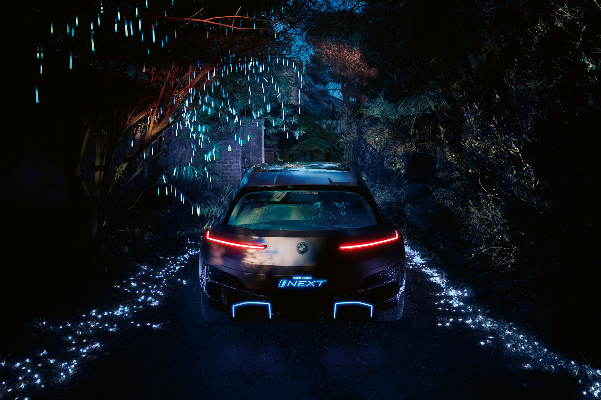 BMW iNEXT crossover concept LED