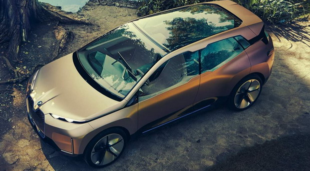 BMW iNext crossover sunroof
