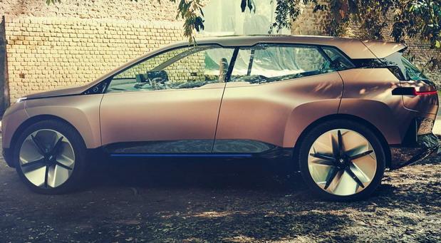 BMW iNext hatchback
