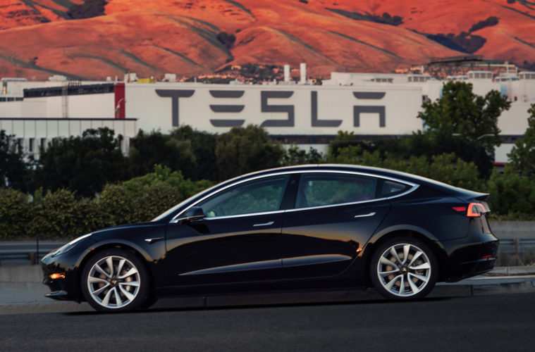 Tesla's accounting and HR heads resign