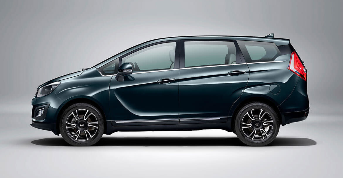 Mahindra Marazzo side look