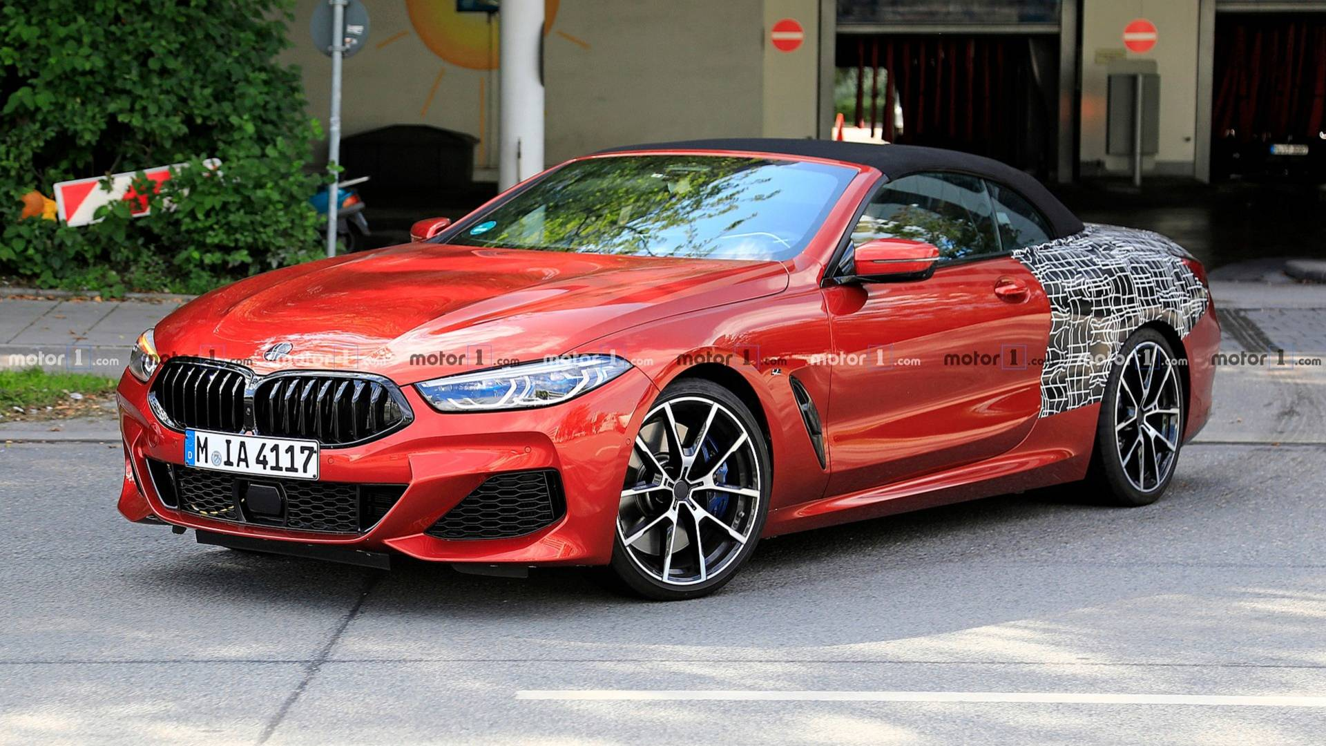 bmw 8-series convertible red colour