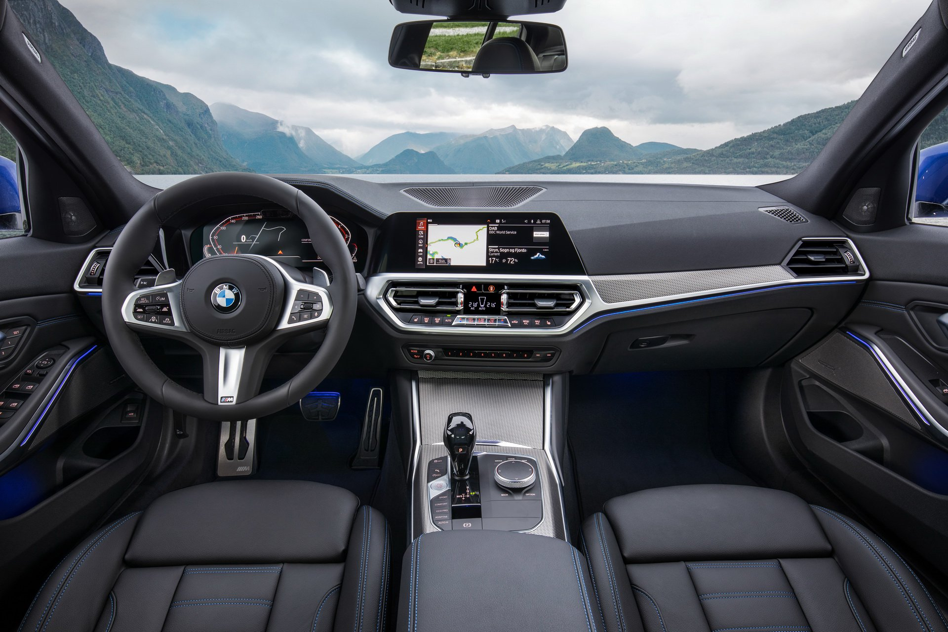 2019 BMW 3 series interior cabin