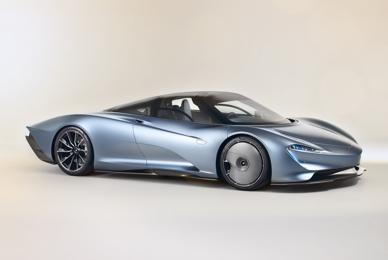 McLaren Speedtail: Photos and complete details
