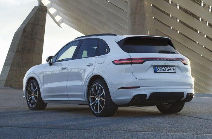 Porsche new Cayenne E-hybrid india price