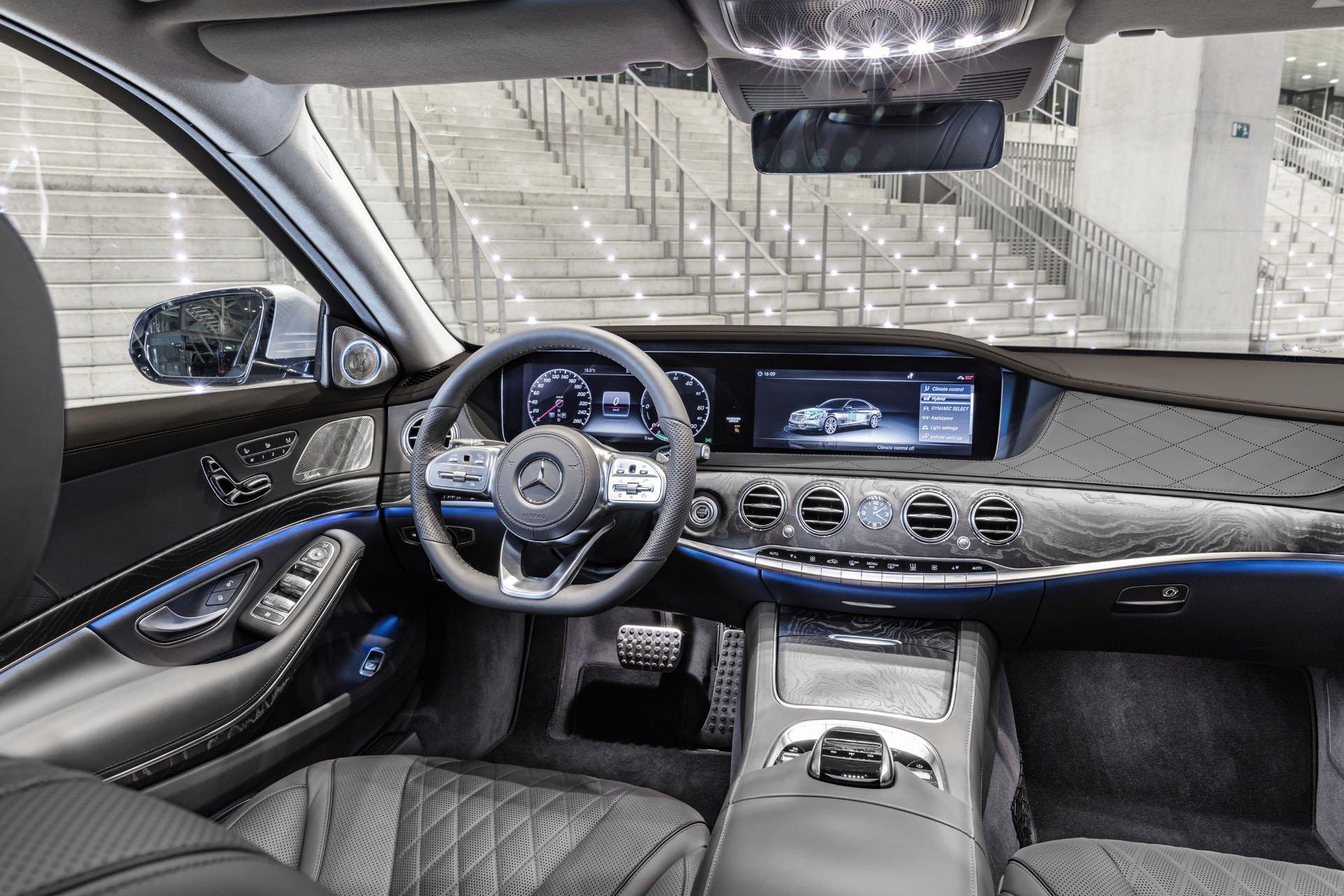 S-CLass S560e hybrid interior