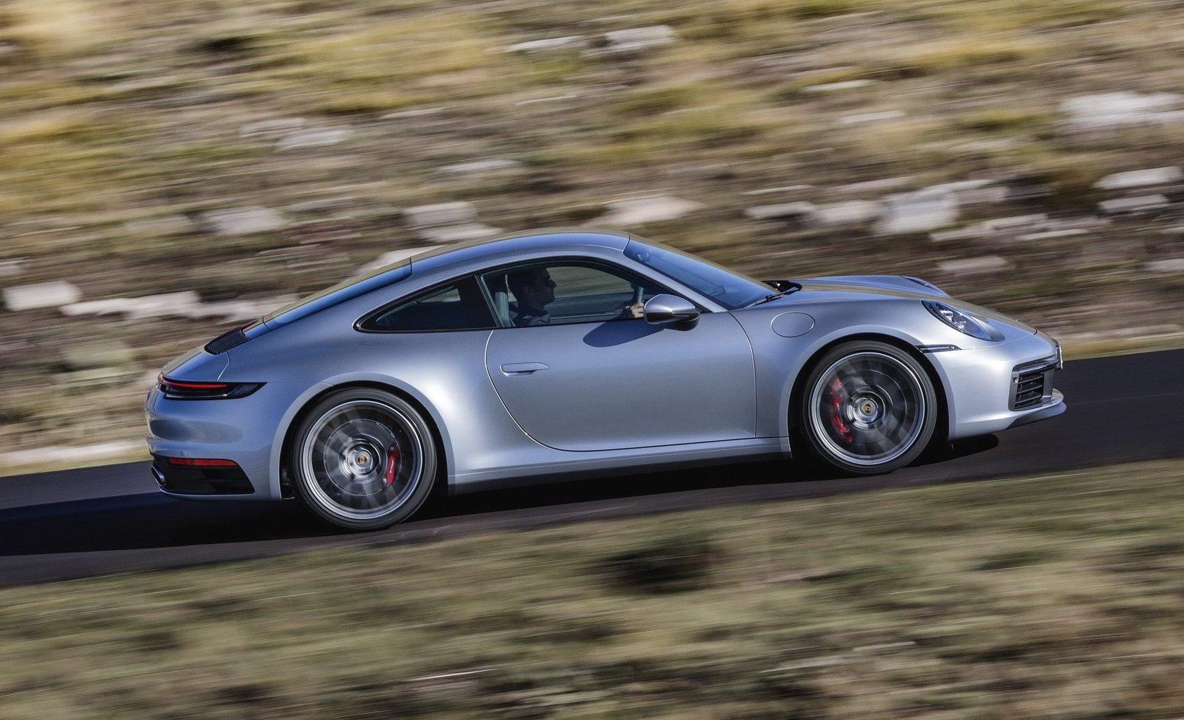 992 Porsche 911 length