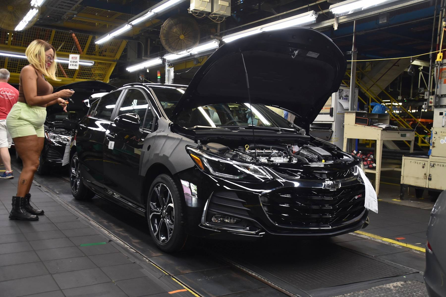 General Motors To Close Ohio Plant, Thousands Affected