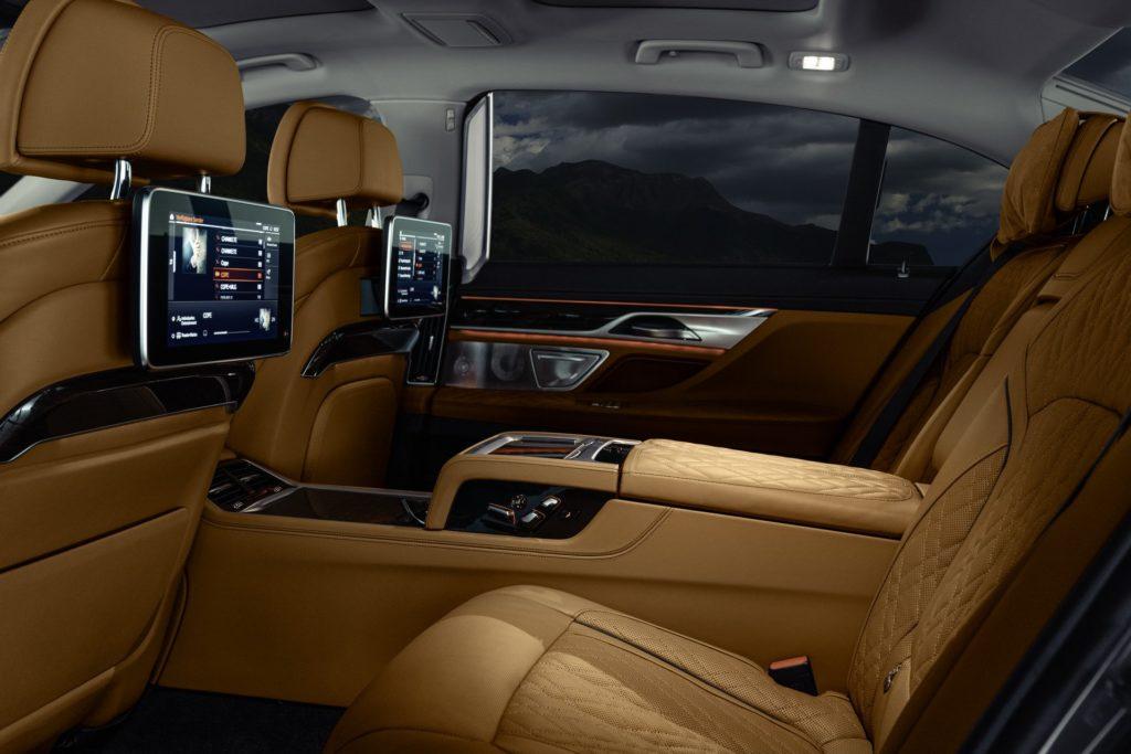 2020 BMW 7 series rear seat luxury