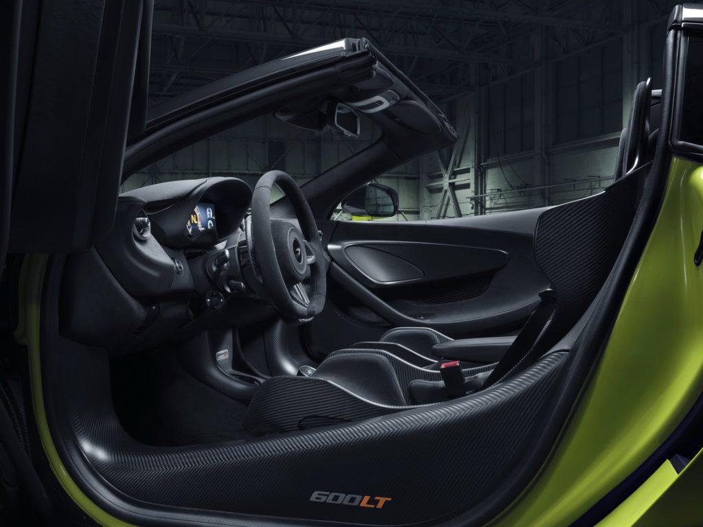 McLaren 600LT spider cabin
