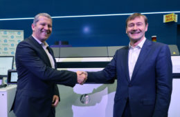 R to L-Klaus Helmrich, Member of the Managing Board, Siemens AG and CEO