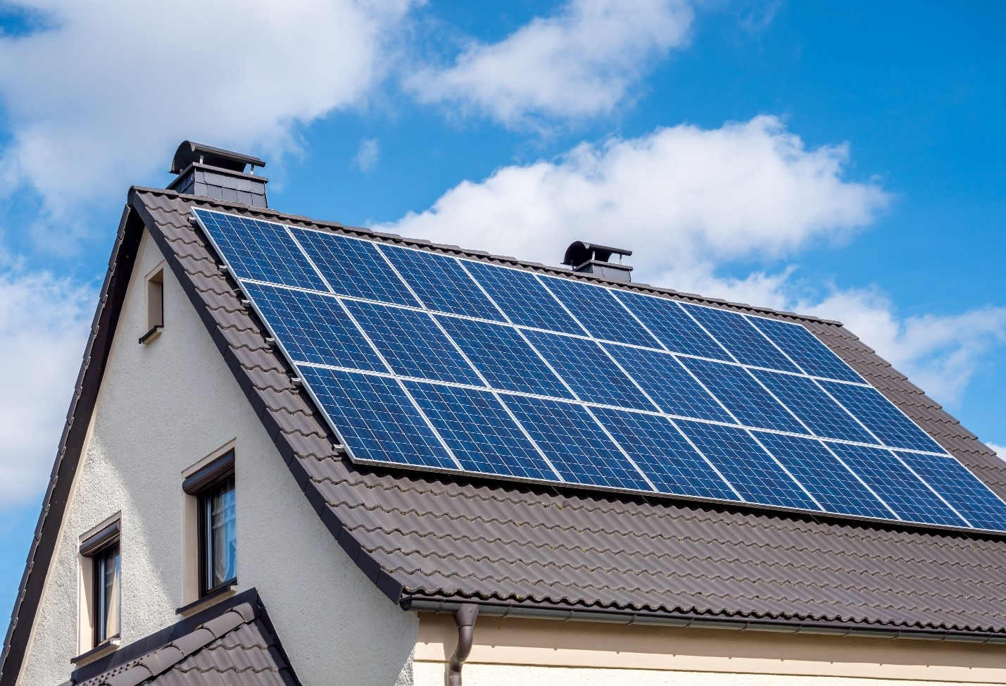 Minimize Your Home Electricity Bill with Solar Panels - TechStory