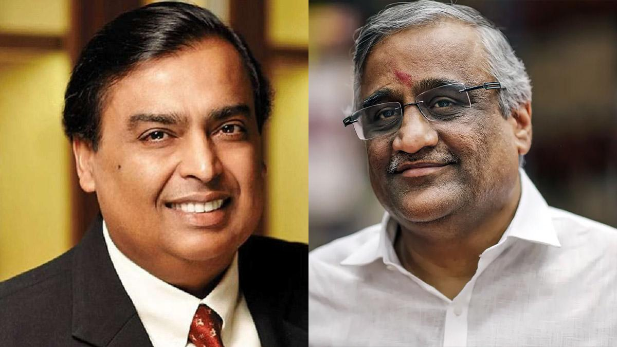 Mukesh Ambani (Left) Kishore Biyani (Right)