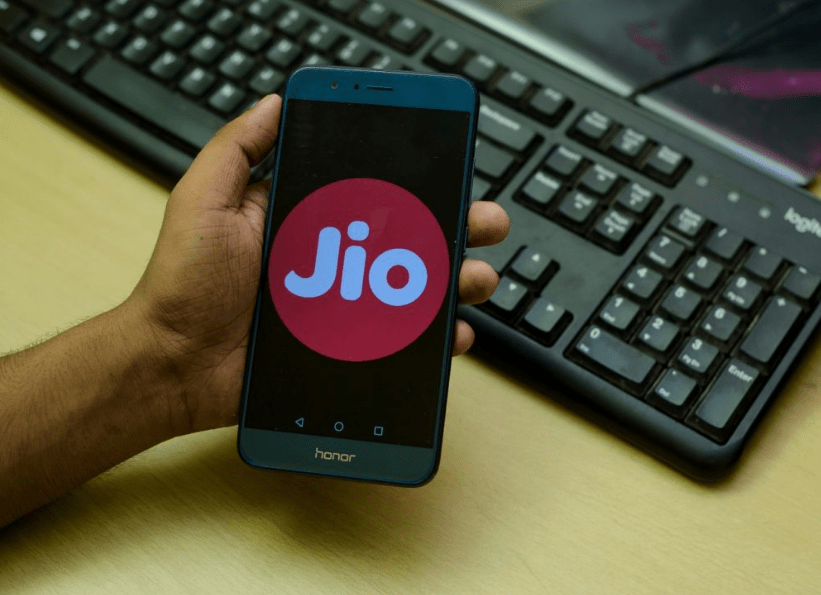 Reliance Jio Planning To Unveil A Cheaper 5G Smartphone In India