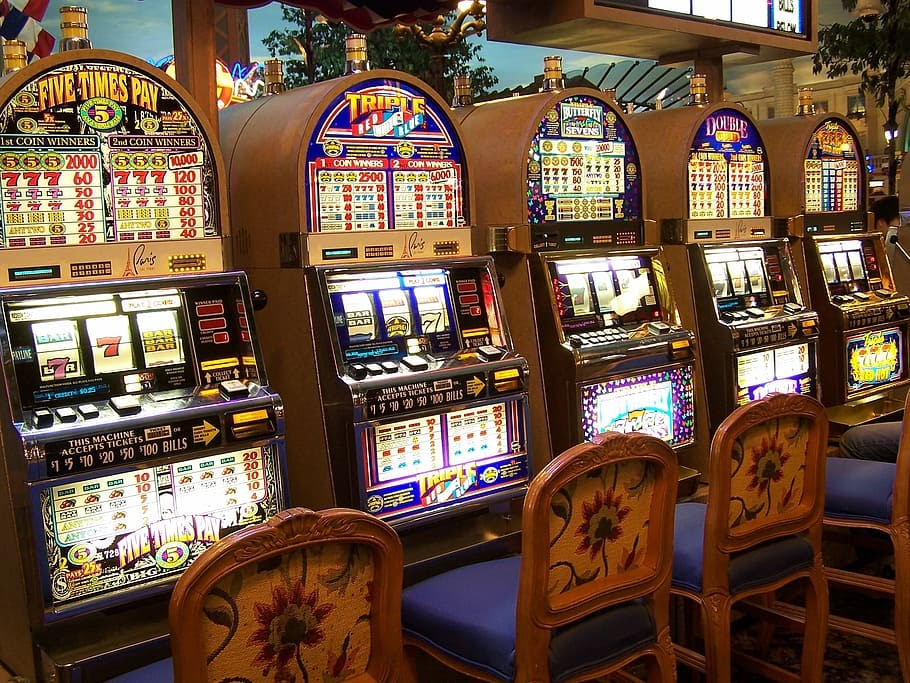 What is a slot machine? Why are slot games best to play in an online  casino? - TechStory