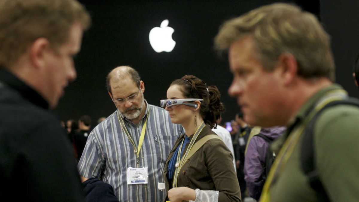 Apple Also Working On A Mixed Reality Headset That Will Be Released Next Year