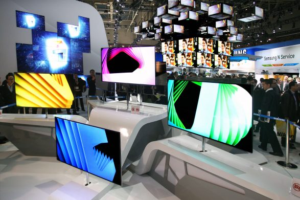 The Samsung Plans To Start supply of IT Display Panels Shortly In India, Here Is What You Should Know