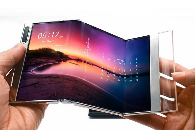Samsung Showcased Its First Smartphone With Dual-Folding Display, Here Are Its First Look