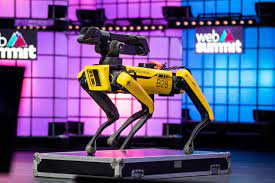 Several perceived the Digidog as a symbol of misplaced investment from the police and the increasing use of aggressive methods by law enforcement agencies