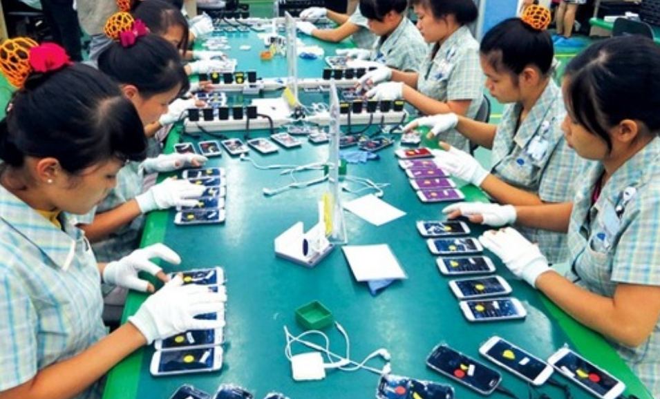 Crunch On Smartphone Industry Due To Rise In COVID-19 Cases In Manufacturing Hubs