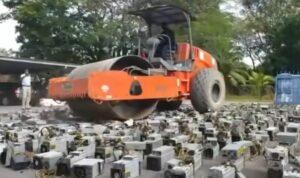 steamroller destroying miners