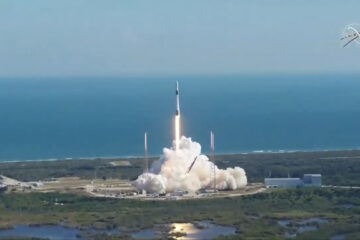 SpaceX launches Dragon