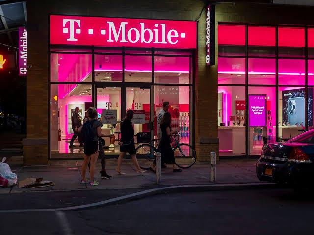 T-Mobile investigating data sale