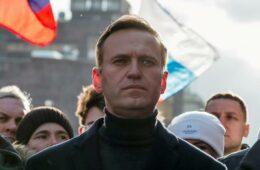 Russia Apple Google Navalny