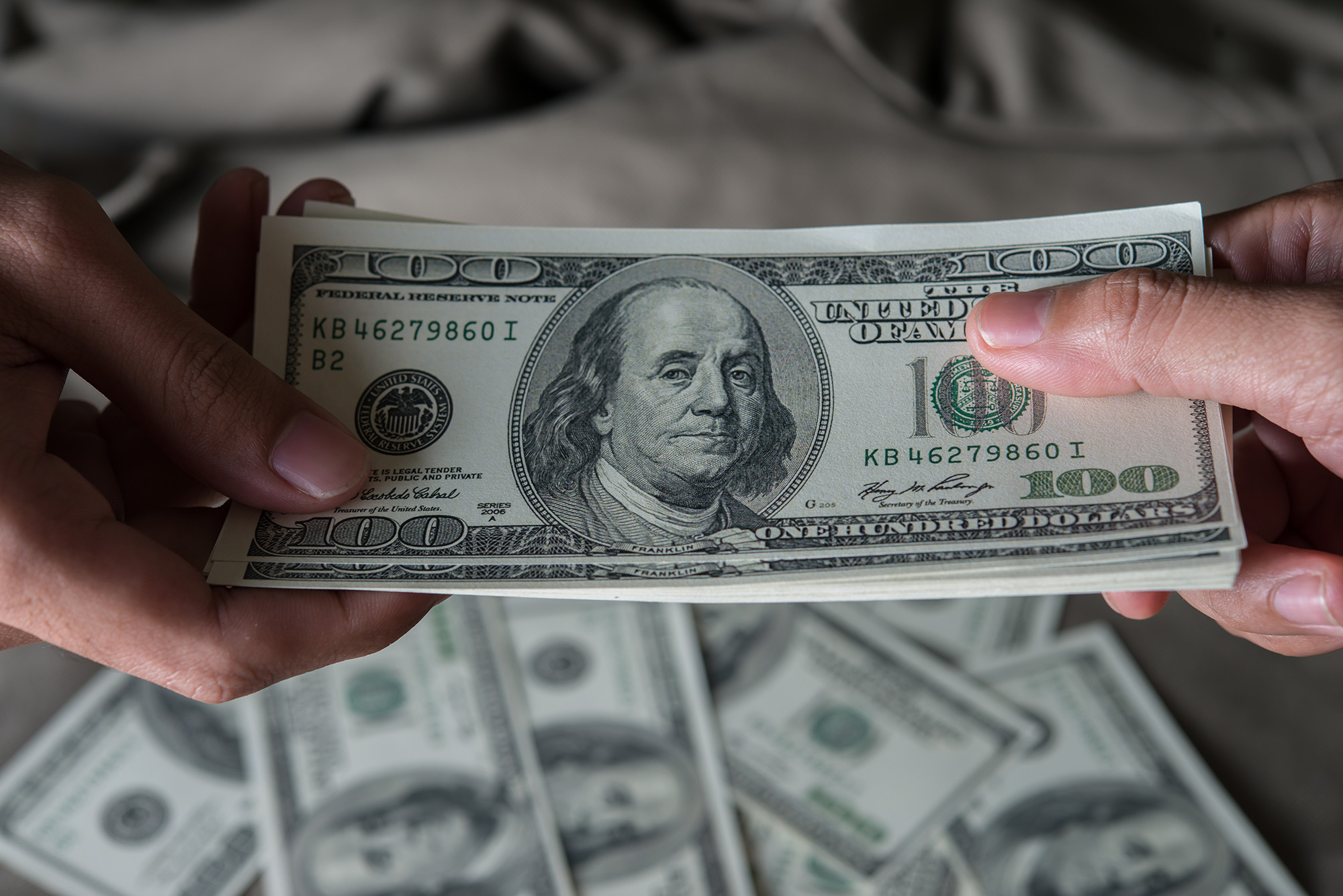 Give a money united states dollar