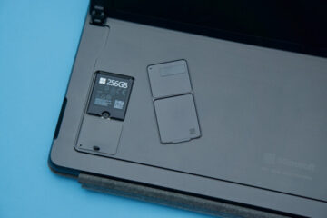 Enlarge / The Surface Pro 8's replaceable SSD.